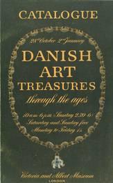 Kataloget fra den danske udstilling på Victoria & Albert Museum i 1948. Kataloget er mørkegrønt med gule bogstaver.